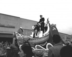 WP 11-25-60 Thanksgiving Day Parade Capt Jack McCarthy 1395